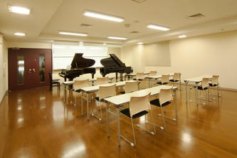 201教室【京都 ピアノ練習室】